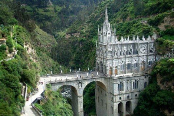 20-unusual-churches-p1-laslajas