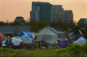 tent-city-in-sacramento