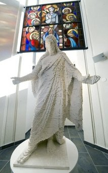 lego-statue-of-jesus